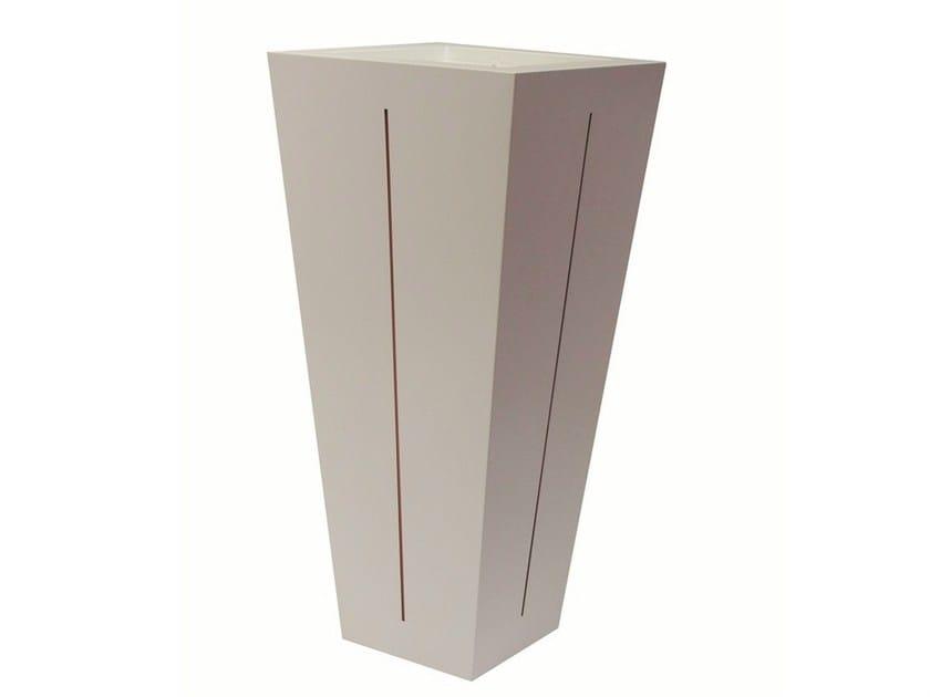 Iron vase POT-L-BIC by Vela Arredamenti
