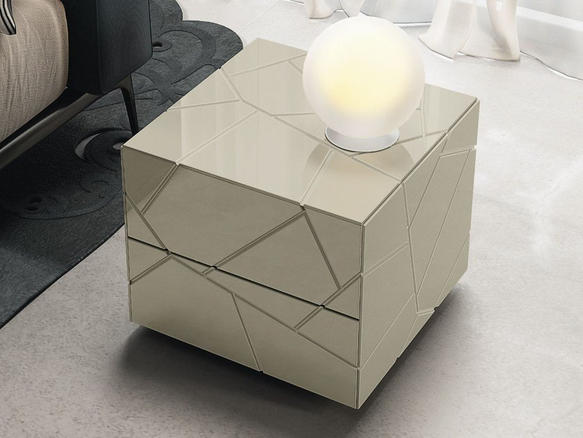 Lacquered square bedside table with drawers SEGNO | Bedside table by RIFLESSI