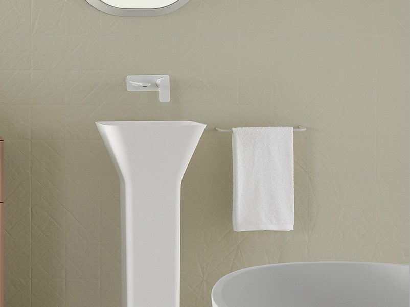 Metal towel rack FLUENT | Towel rail by INBANI