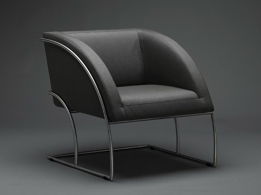 Cantilever armchair with armrests ISUÉ by mminterier