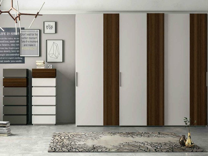 Lacquered wardrobe with sliding doors VERTICAL by Dall'Agnese