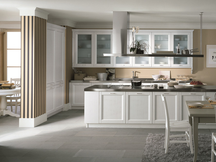 Wooden kitchen with island NUOVO MONDO N01 by Scandola Mobili