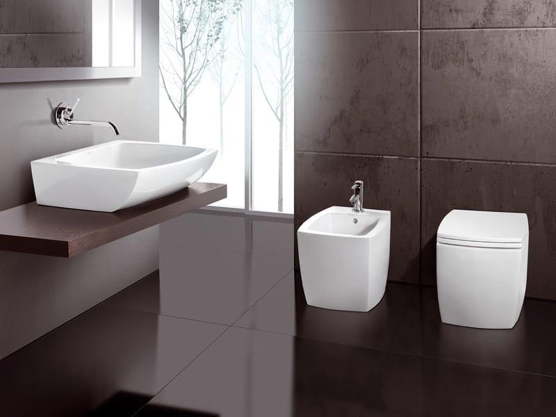 Arredo bagno completo in ceramica square by a e t italia design