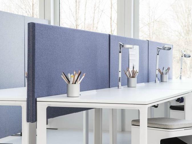 Sound absorbing workstation screen desktop partition SONEO | Workstation screen desktop partition by Abstracta