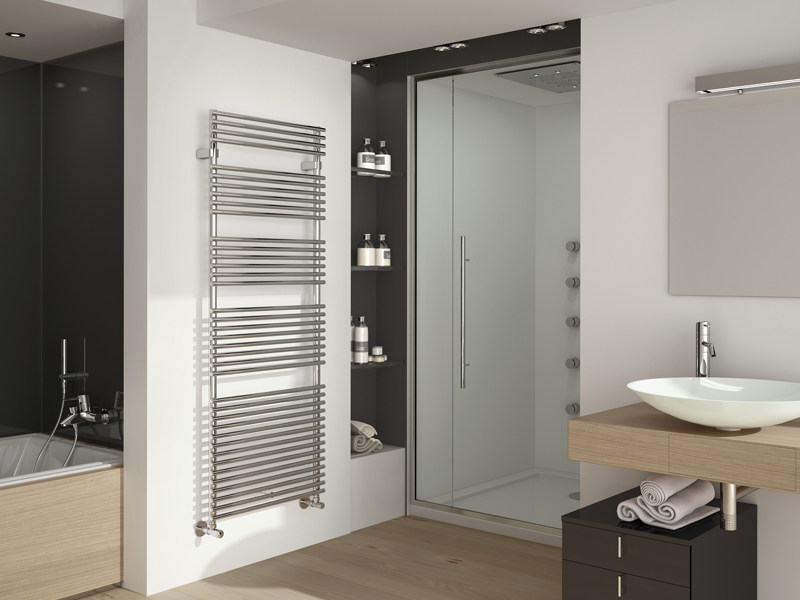 Wall-mounted steel towel warmer FLAUTO | Chrome plated steel towel warmer by IRSAP