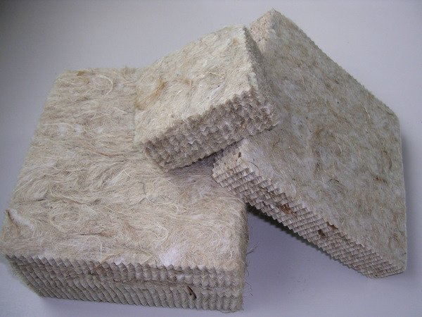 Natural fibre sound insulation panel FIBERKENAF PAN by DIASEN