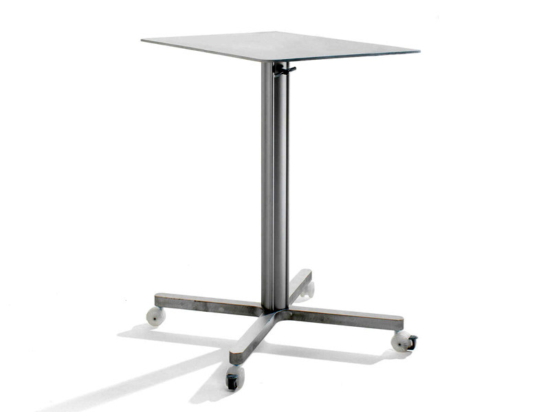 Coffee table with 4-star base with casters MIXX | Coffee table with casters by Abstracta