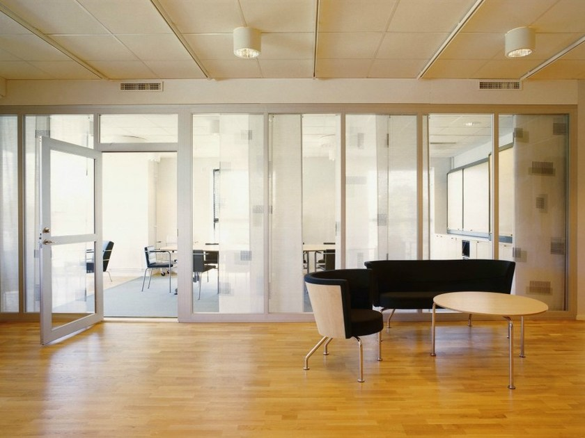 Glass office partition PLENTYWALL by Abstracta