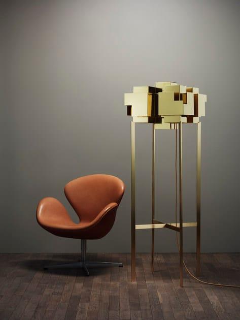 Brass floor lamp SKYLINE | Floor lamp by Örsjö Belysning