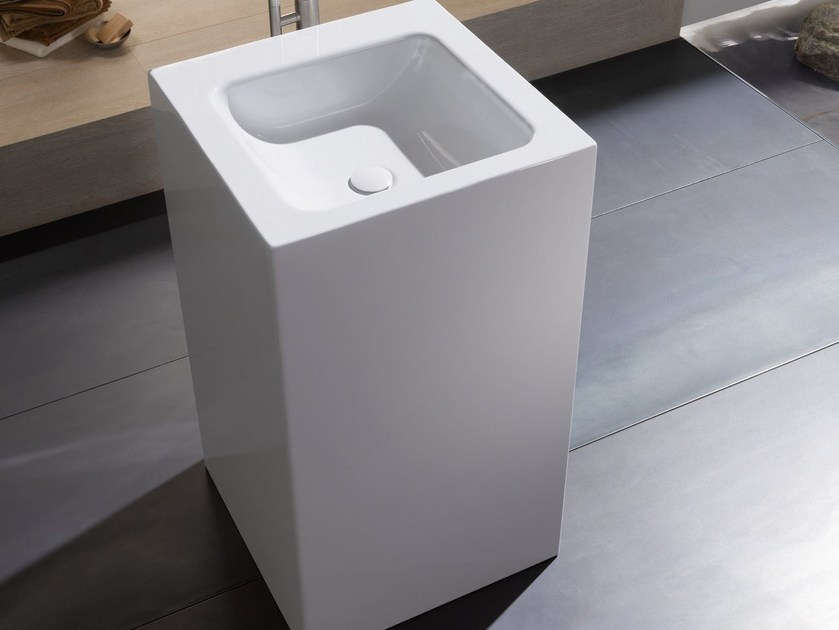 Freestanding square single washbasin BETTEONE MONOLITH by Bette