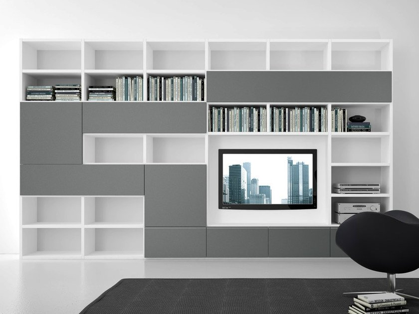 Sectional lacquered TV wall system Pari&Dispari - COMP 310 by Presotto