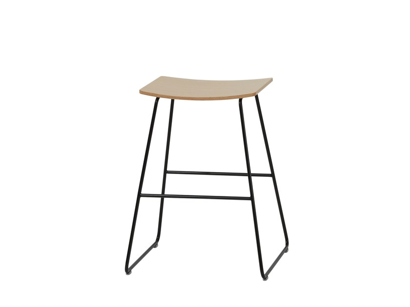 Wooden stool TAO | Wooden stool by Inclass Mobles