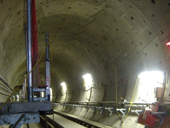Steel reinforcing fibres DRAMIX® for tunnel works by Leon Bekaert