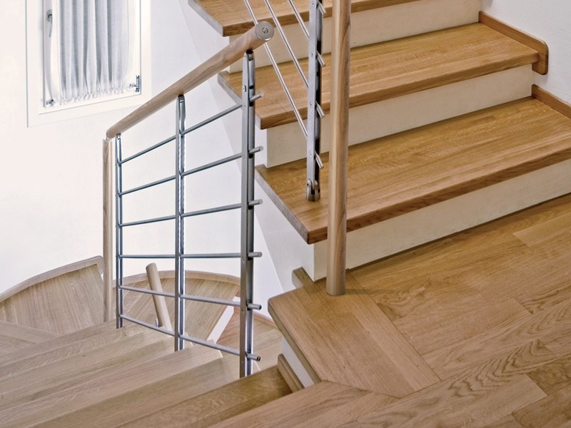 Steel and wood stair railing minimal by rintal for Rintal scale prezzi