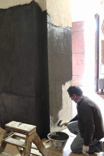 Utilzzo di WATstop su una colonna di una chiesa affetta da risalita di umidità