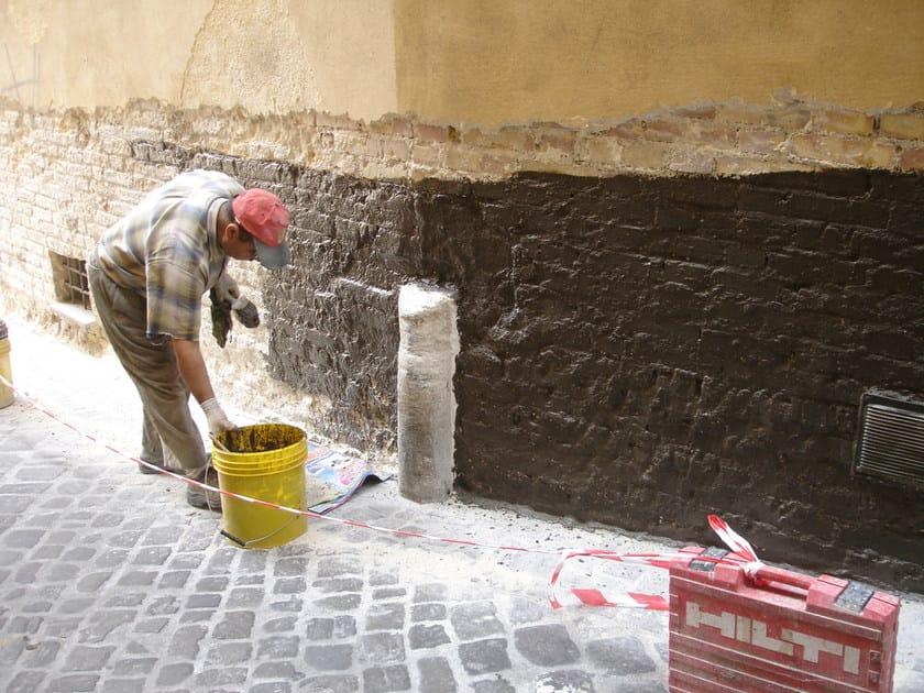 Utilizzo di WATstop su un vecchio muro affetto da umidità di risalita e salnitrazione