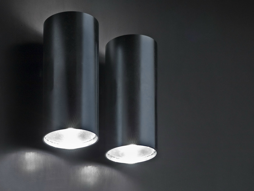Painted metal wall light P10 by Boffi