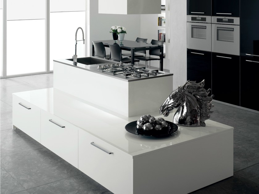 Fitted kitchen NAXOS by Del Tongo