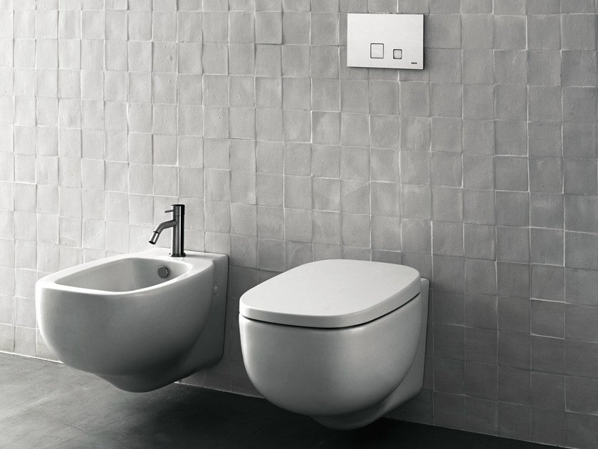 Ceramic toilet / bidet XY By Boffi design Piero Lissoni