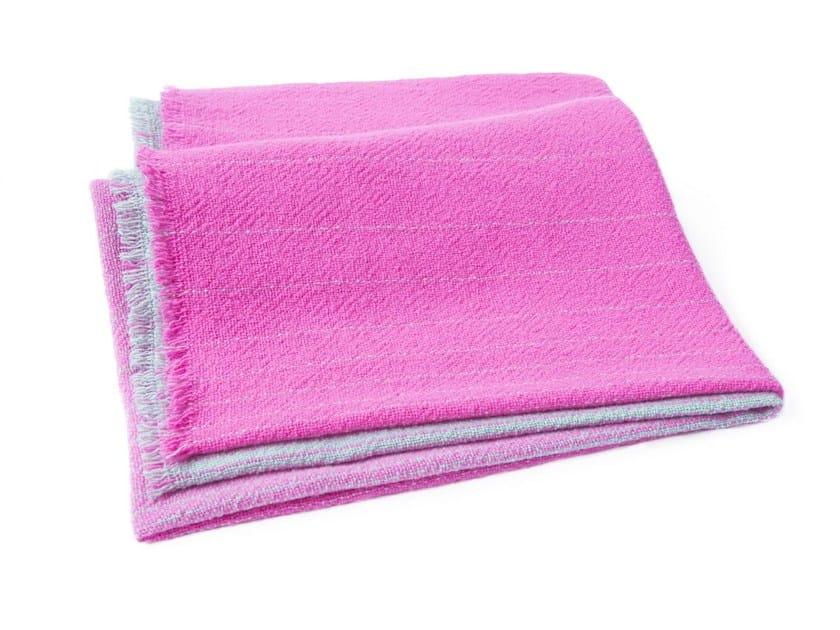 Handmade wool blanket CUADRO by e15