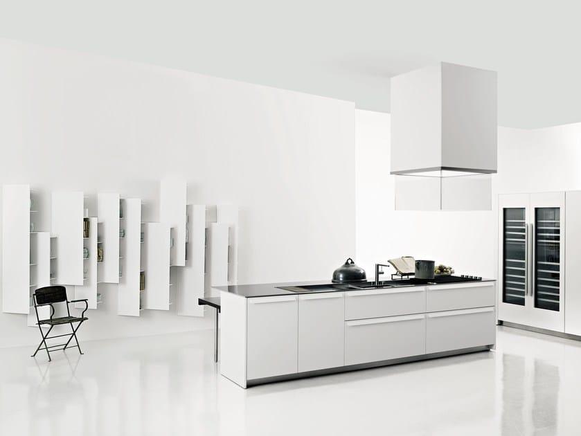 Küche aus Corian® mit Kücheninsel APRILE By Boffi Design Piero Lissoni