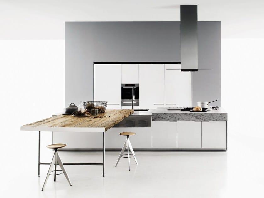 Küche mit Kücheninsel DUEMILAOTTO By Boffi Design Piero Lissoni