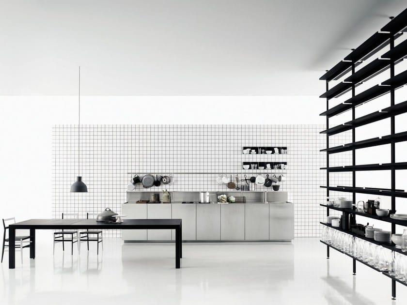 Zeilen- Küche aus Edelstahl K20 By Boffi Design Norbert Wangen