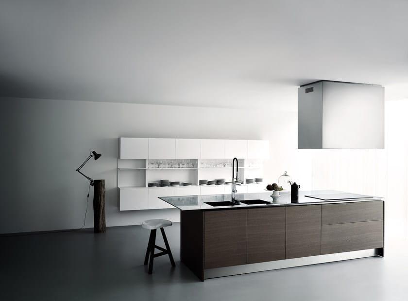 Küche aus Holzfurnier mit Kücheninsel XILA ST By Boffi