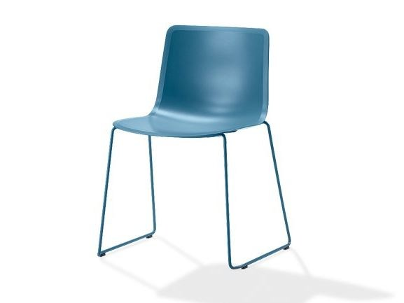 Sled base plastic chair PATO   Sled base chair by FREDERICIA FURNITURE