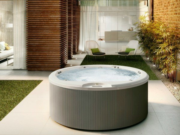 Built-in round hydromassage hot tub ALIMIA by Jacuzzi