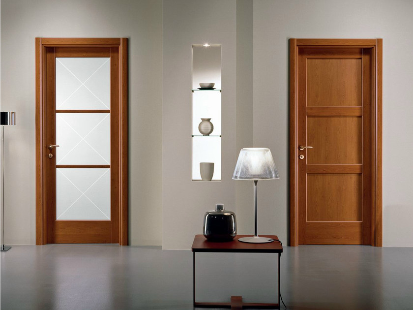 Hinged melamine-faced chipboard door XOSIA | Cherry wood door by GIDEA