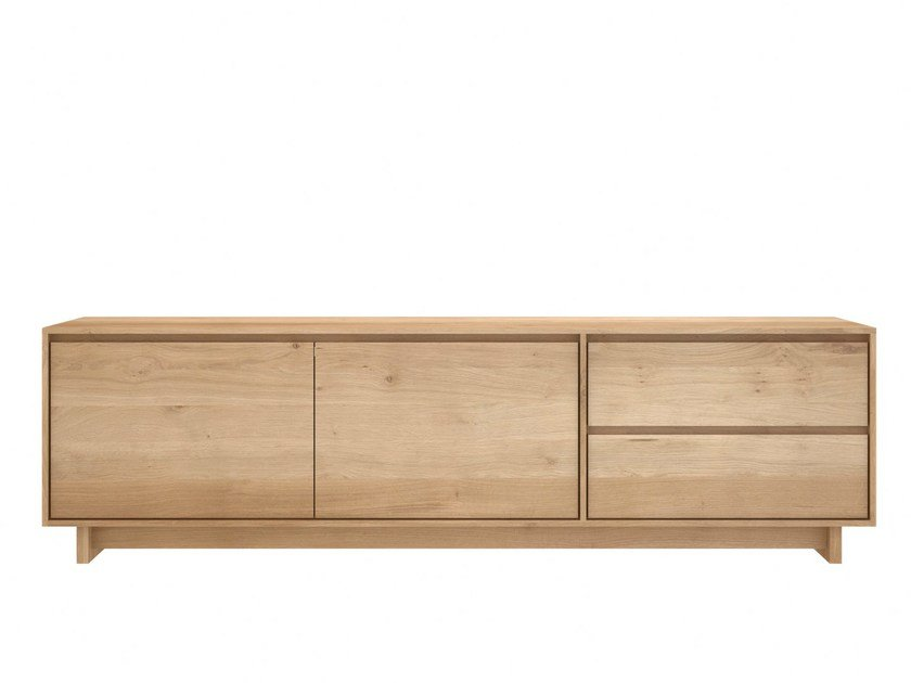 Low solid wood TV cabinet OAK WAVE | TV cabinet by Ethnicraft
