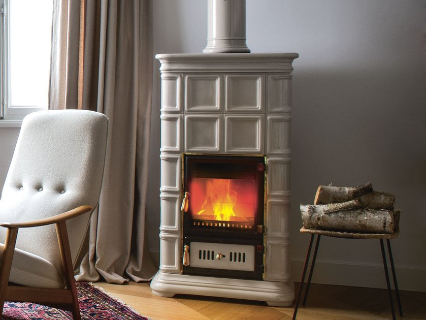 Wood-burning ceramic stove with Thermal Accumulation MARLENE L/A by Sergio Leoni