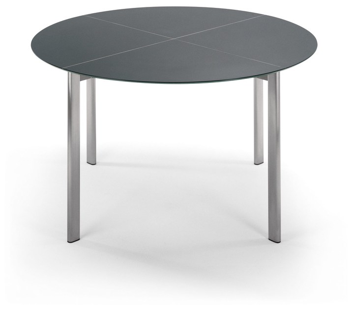Round garden table SWING | Round table by FISCHER MÖBEL