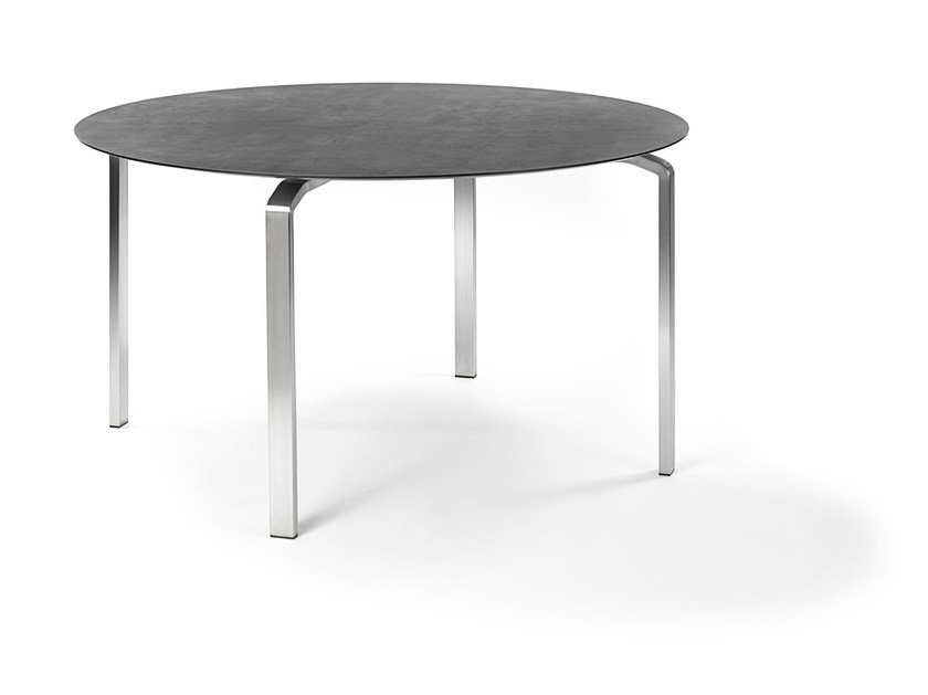 Round garden table KYOTO | Round table by FISCHER MÖBEL