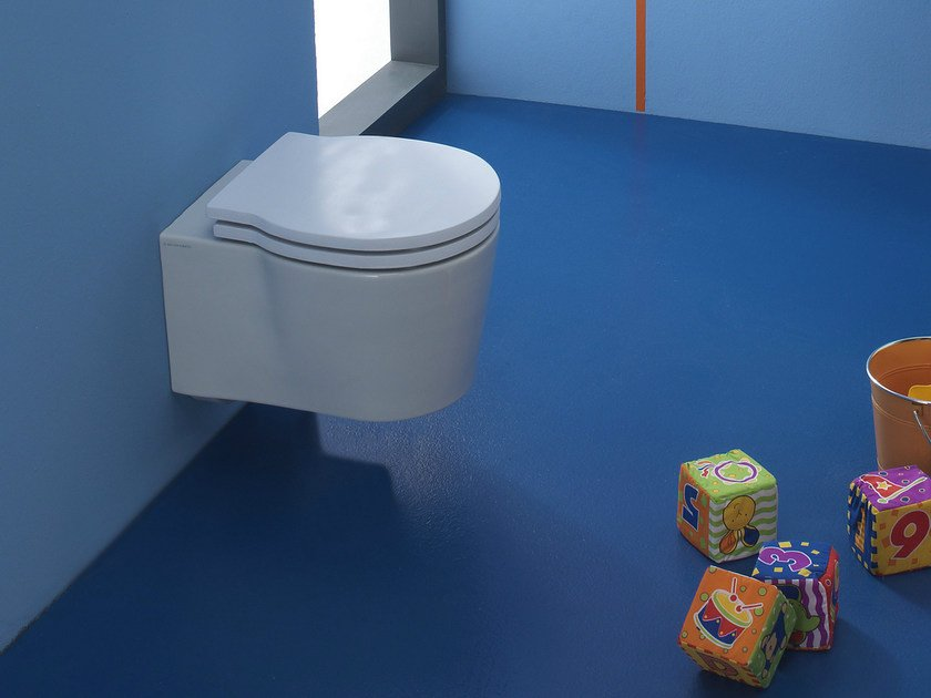 Wall-hung ceramic toilet for children BUCKET | Toilet for children by Scarabeo Ceramiche