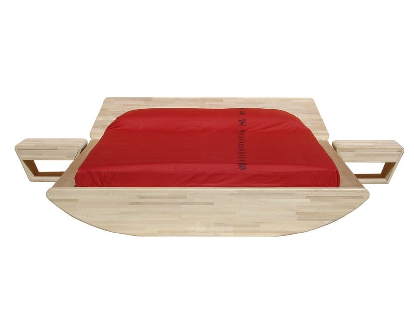 Wooden double bed ONDA by Cinius