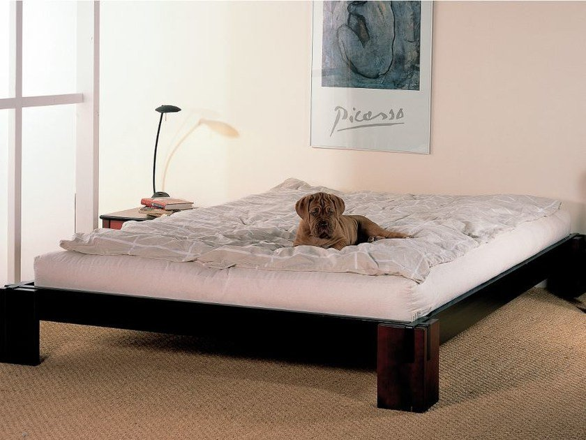 Solid wood bed TOKYO by Cinius