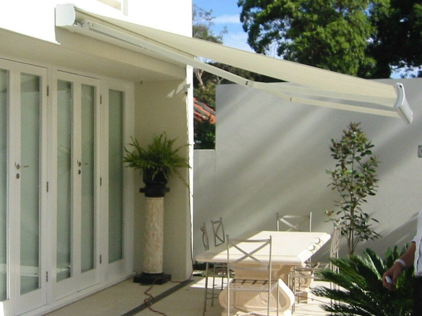 Box Folding arm awning MARKILUX 3300-3300 PUR by markilux