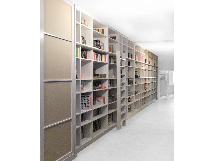 Custom wooden bookcase YUKI by Cinius