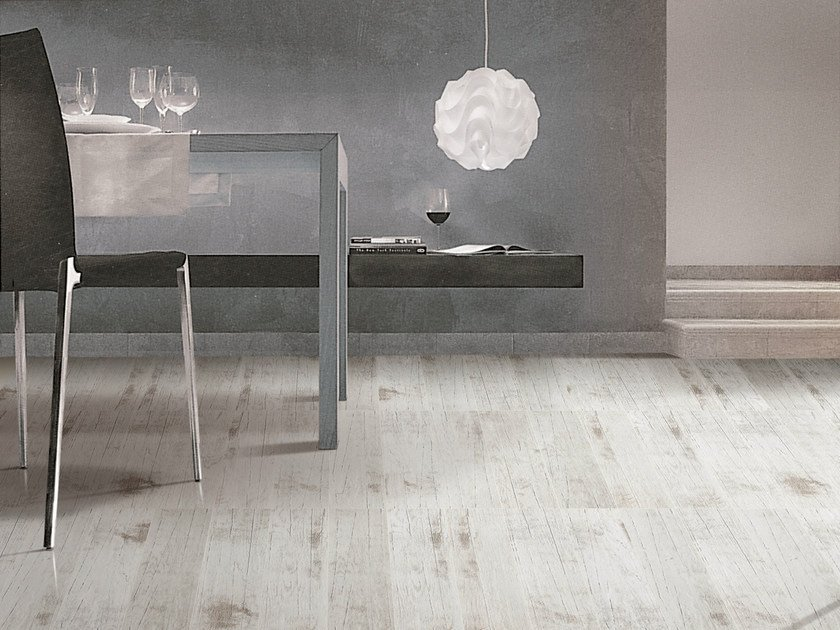 Porcelain stoneware flooring with wood effect ESSENCE by ROMAX