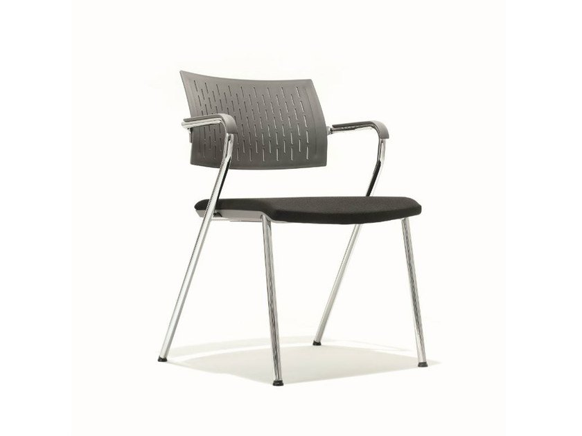 Training chair with armrests B_CAUSE | Chair by BENE