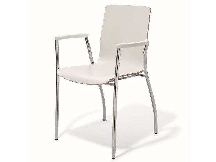 Stackable lacquered chair with armrests KIZZ | Lacquered chair by BENE