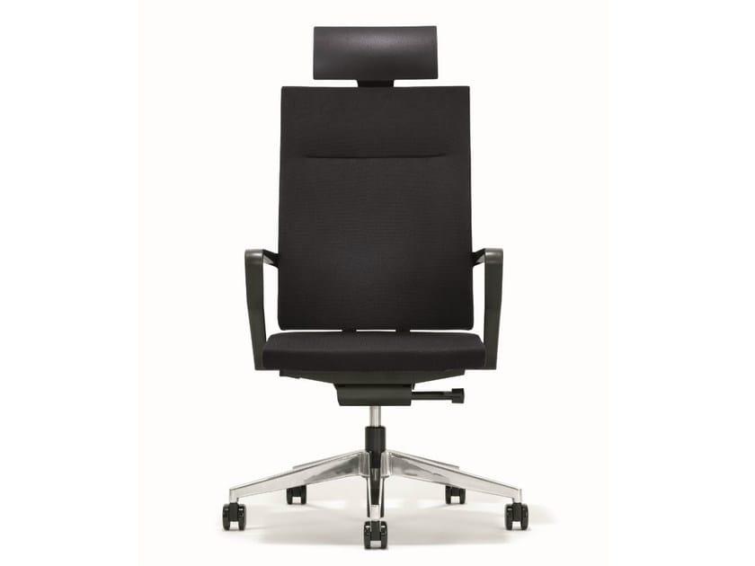 Swivel executive chair with headrest B_RUN | Executive chair with headrest by BENE