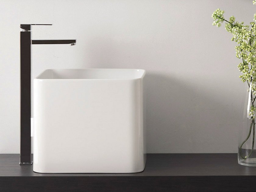 Single handle washbasin mixer QUBIKA | Single handle washbasin mixer by Remer Rubinetterie