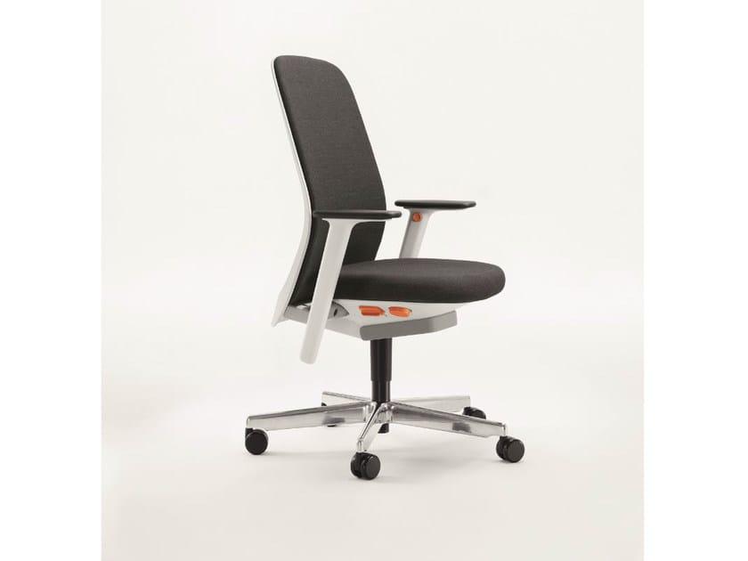 Swivel fabric task chair RIYA | Task chair by BENE
