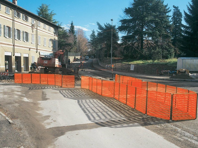 Modular barrier for road-works and restricted areas LIMIT 1 by TENAX