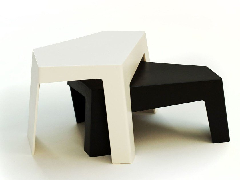 Plastic coffee table MAZE SIDE TABLE by Quinze & Milan