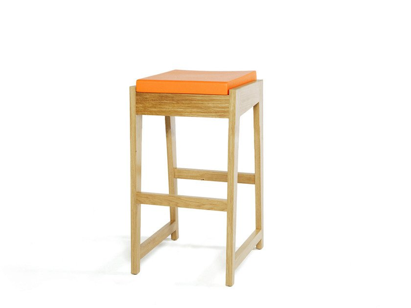 Wooden stool ROOM 26 KITCHEN BARCHAIR by Quinze & Milan