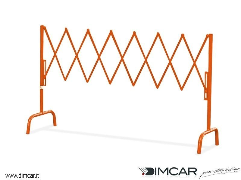 Extending metal pedestrian barrier Transenna Milano by DIMCAR